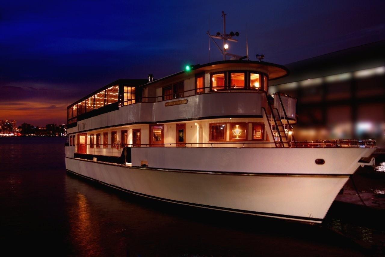 Eastern Star | Caliber Yacht Charter | Yacht Charter NYC